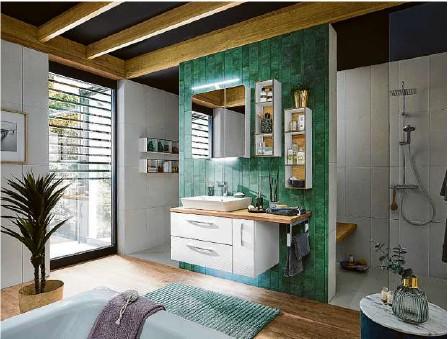 ?? Foto: pelipal ?? Bei einer harmonischen Badeinrichtungen spielen auf Farben eine Rolle.