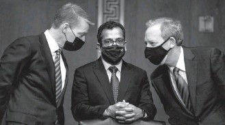 ?? DEMETRIUS FREEMAN/THE WASHINGTON POST ?? Fireeye CEO Kevin Mandia, left, Solarwinds CEO Sudhakar Ramakrishna and Microsoft President Brad Smith appear at a Senate Intelligence Committee hearing last month.