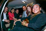 ??  ?? INSIDE the limo: Jonathan Crespi, Karen Jimeno, Carlo Calma, Jericho Fernando, Sea Princess, Melo Esguerra