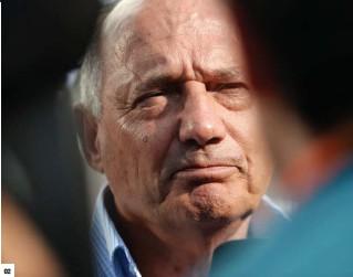 ??  ?? 02. 罗恩·丹尼斯:1980年进入迈凯伦的他,不仅拥有过迈凯伦集团,也曾担任集团CEO。02