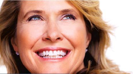 ??  ?? Vous portez des dentiers? Vous aimeriez pouvoir manger ce que vous voulez et être confortable? L'équipe du Centre d'implantologie Marc Tremblay est heureuse de contribuer à votre bien-être en vous redonnant beaucoup plus qu'un beau sourire.
