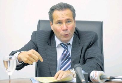 ?? AFP ?? A seis años de la muerte de Nisman, en Comodoro Py insisten con la hipótesis del asesinato.