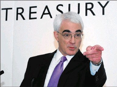 """??  ?? Alistair Darling said he will not accept """"whole unreasonable"""" bonuses at bailed-out banks."""