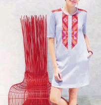 ??  ?? Linea Etnika exudes effortless style by combining indigenous weaves with classic silhouettes.