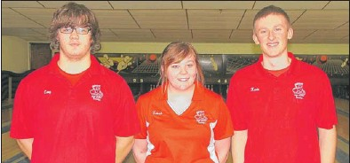 ?? | ANTHONY NASELLA/FOR THE POST-TRIBUNE ?? Crown Point bowlers (from left) Cory Locher, Sarah Bond and Kevin Wilson advanced to semistate in singles after good performances on Sunday at the Lowell Regional.
