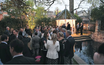 ??  ?? The Un­Corked fundraiser had at­ten­dees sip­ping on the finest wines of France