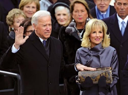 ??  ?? Joe Biden tendrá que actuar con severidad ante personajes como Mitch McConnell.