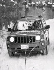 ?? HOWARD J. ELMER, NATIONAL POST ?? A 2010 Jeep Patriot is put through its paces at CFB Borden, near Barrie, as Chrysler put on a Canadian-only 4x4 program.