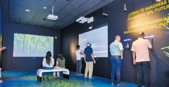 ??  ?? Otra de sus salas cuenta con actividades didácticas que hacen una proyección futurista sobre el desarrollo urbanístico de la ciudad y del departamento.