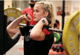 ?? PICTURES: HUW EVANS AGENY ?? Meg Webb in training for the Six Nations