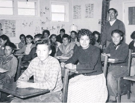 ?? PHOTO COURTESY OF SOCIETE HISTORIQUE DE SAINT-BONIFACE ?? A classroom in Marieval Indian Residential School in Saskatchewan, which is now believed to be the site of 751 unmarked graves.