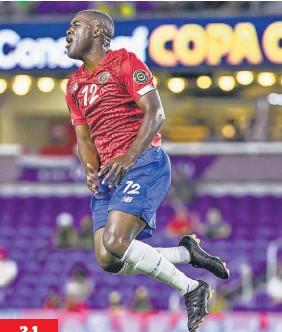 ??  ?? 3-1 Pegada. Joel Campbell festeja el primer gol de Costa Rica en la victoria sobre Guadalupe en el arranque de la Copa Oro.