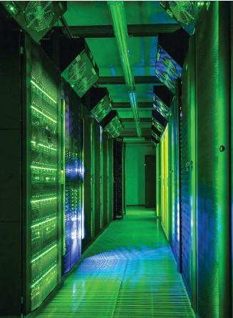 ?? Foto: Tomasz Wozniak ?? Amerikanischer oder europäischer Server? Optisch ist die Frage kaum zu lösen.