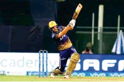 ?? ANI ?? Australian pacer Pat Cummins exhibited his full array of shots to bring Knight Riders close to victory against Super Kings yesterday.