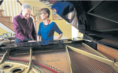 ?? RICHARD LAUTENS TORONTO STAR ?? Husband-and-wife pianists Boris Zarankin and Inna Perkis are celebrating the 25th anniversary of their Off Centre Music Salon.