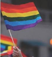 ??  ?? El obispo de Saltillo dijo que en la Iglesia Católica se respeta a personas con distintas preferencias sexuales.