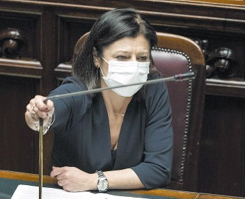 ?? (LaPresse) ?? Il ministro delle Infrastrutture e dei Trasporti, Paola De Micheli, ha proposto l'apertura delle scuole anche nel fine settimana