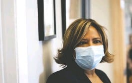 ??  ?? Natalicia Tracy, executive director of the Boston Worker Center, oversaw the distribution of approximately 200 Moderna vaccine doses April 2 in Boston.