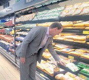 ??  ?? Aldi's aggressive push to remodel its stores will allow it to add new private label merchandise in rapidly growing categories like fresh food.