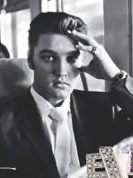 ??  ?? Elvis Presley, the King of Bling.