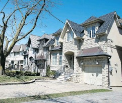 ??  ?? Small post-war bungalows are getting hard to come by in Leaside, replaced by two-storey, 3,000-sq.-ft. homes costing upward of $2 million.