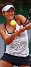 ??  ?? ATTACKING: Heather Watson is enjoying her tennis