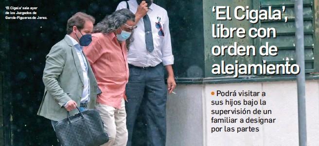 ?? MIGUEL ÁNGEL GONZÁLEZ ?? 'El Cigala' sale ayer de los Juzgados de García-Figueras de Jerez.