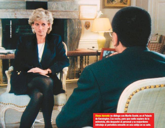 ??  ?? Diana durante su diálogo con Martin Bashir, en el Palacio de Kensington. Esa noche, para que nadie supiera de la entrevista, ella despachó al personal y su mayordomo introdujo al periodista envuelto en una cobija en su auto.