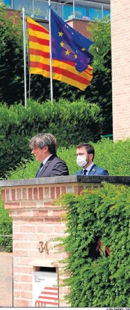 ?? HORS WAGNER / EFE ?? Carles Puigdemont y Pere Aragonès, en rueda de prensa ayer en Waterloo.