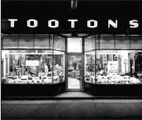 ?? — Submitted photo ?? Tooton's store front on Water Street in the 1950s.