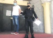 ??  ?? Octavio Vargas Muñoz aparece en el departamento Judicial de la Policía Nacional.
