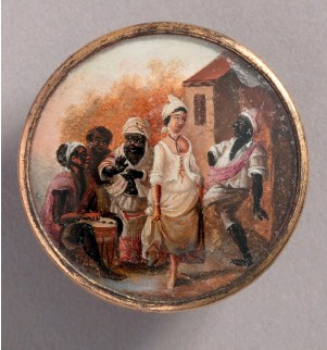 ??  ?? Button (Haiti). Attributed to Agostino Brunias; gouache paint on tin verre fixé, ivory (backing), glass, gilt metal