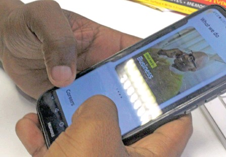 ?? | LALINKA MAHOTE African News Agency (ANA) ?? THE latest research by Africa Analysis in its 2021 5G Market Outlook Report showed that the mobile data market locally grew at a phenomenal rate compared to other African markets.