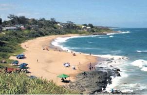 ??  ?? Tinley Manor beach in KwaDukuza