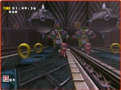 ??  ?? » [Dreamcast] Amy can only temporarily disable Zero with attacks, so running away is the better strategy.» [Dreamcast] Just as in the 2D Sonic games, getting hit results in a loss of rings, and getting hit with no rings will cost you a life.