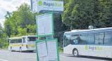 ?? FOTO: ANNA-LENA JANISCH ?? Regiobusse werden als Ergänzung zum Schienenverkehr angeboten.