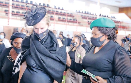 ??  ?? LINDSAY Myeni at her late husband's funeral with Neliswa Nkonyeni, KZN MEC for Transport, Community Safety and Liaison. Picture: Supplied.