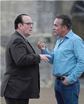 ?? Universal Pictures France ?? François (Grégory Gadebois) et Nicolas (Jean Dujardin) rêvent de retour.