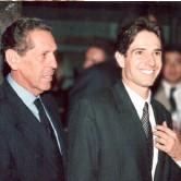 ??  ?? Camilo Liévano, ingeniero industrial y gemólogo alumni de la GIA, se involucró en la administración de la Joyería junto a su padre, don Ignacio Liévano Ricaurte.
