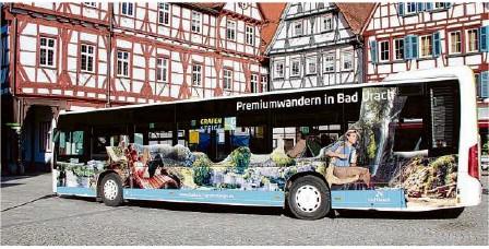 ?? Foto: Archiv ?? In Bad Urach werden nun Verstärkerbusse eingesetzt.