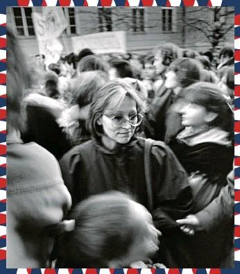 ?? FOTO ČTK ?? Marta Kubišová nechyběla 17. listopadu 1989 mezi studenty na Albertově