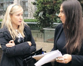 ?? SUSAN LAZARUK ?? The Real Housewives of Vancouver personality Jody Claman, left, pictured with divorce lawyer Suzan El-Khatib in 2014, was found in B.C. Supreme Court to have engaged in non-disclosure of some of her assets and ordered to pay special costs to her...