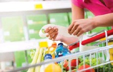 ?? DREAMSTIME ?? One way to avoid grocery store tricks is to plan your meals ahead of time.