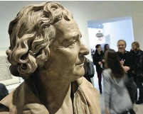 ??  ?? Simply the bust: sculptor Augustin Pajou