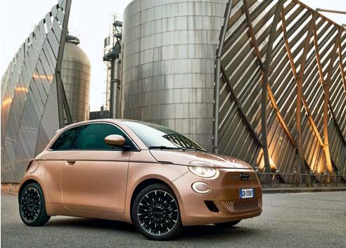 ??  ?? Below: Fiat started the year by debuting