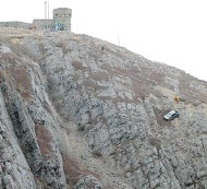 """?? KEITH GOSSE / THE CANADIAN PRESS ?? The tow-truck driver who worked the scene of Sunday's crash at the Signal Hill national historic site said the job ranked in the """"top four or five"""" highlights of his career."""