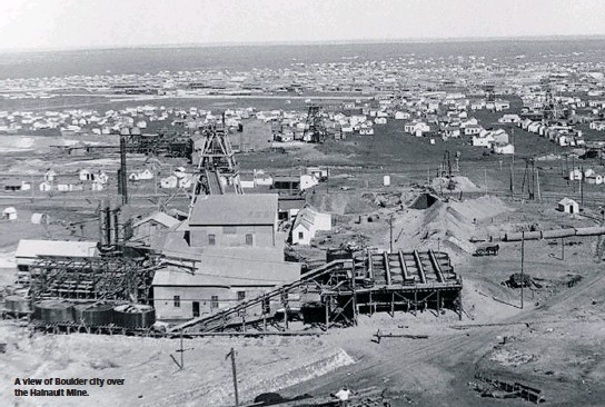 ??  ?? A view of Boulder city over the Hainault Mine.