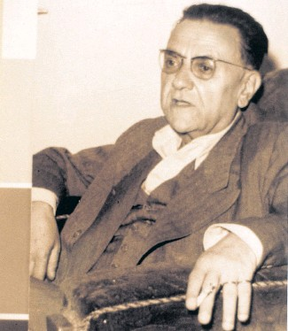 ??  ?? Nurullah Ataç became a literary critic after trying his hand at poetry and drama.