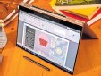?? FOTO: BLOOMBERG ?? Hingucker: Das Design des neuen Galaxy Book ist gelungen, der Laptop angenehm in der Bedienung.