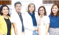 ??  ?? (From left) DMARK Beauty Corp.'s May Guillermo with doc­tors Ivan Arni Preclaro, Matilde Kr­isha Mon­tene­gro, Marissa Kath­rina San­tos and Han­nah Lea David